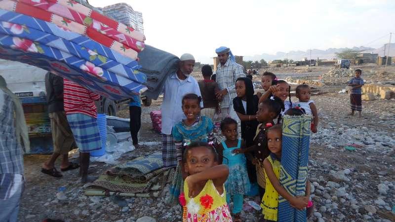 Aid Distribution in Mayfa'a, Shabwah, Yemen on 4 Nov 2015. Courtesy UNHCR